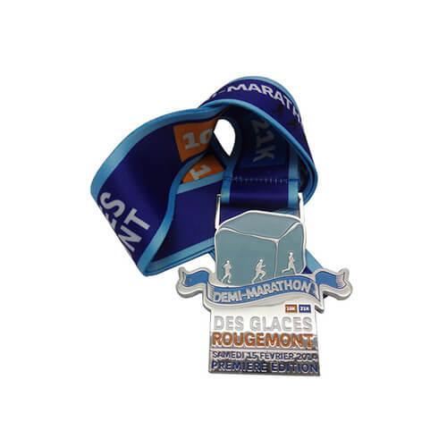 Demi-marathon medal