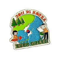 Evergreen earth pins